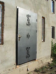 продажа металлических дверей