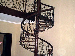 Винтовая лестница, ковка
